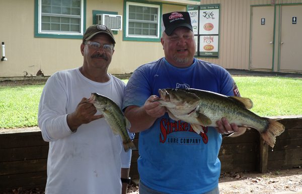 Warren Whitaker and Jay Messersmith win Lake Fork with 8.88!